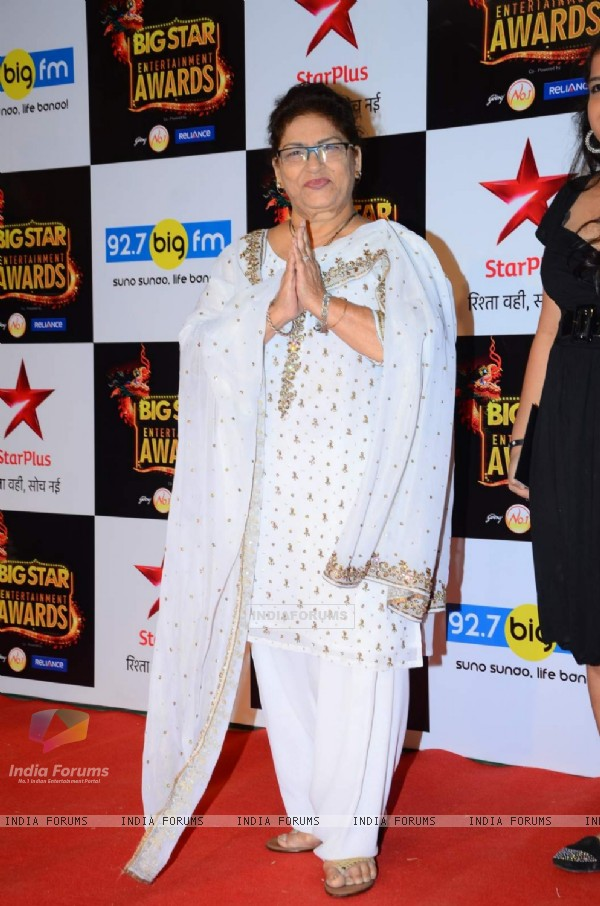 Saroj Khan at Big Star Entertainment Awards