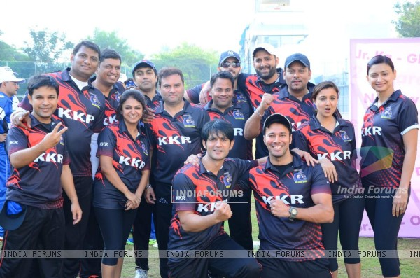 Rajneesh Duggal and Hiten Tejwani Snapped at JPPL Cricket League Match