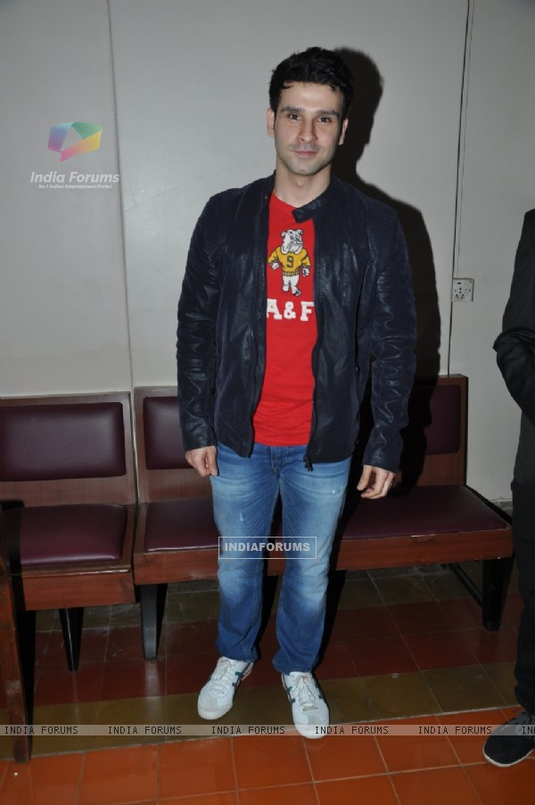 Girish Kumar for Promotions of 'Loveshhuda' at Jai Hind College