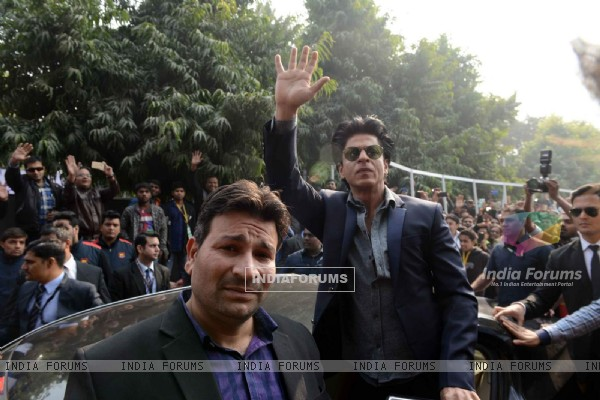 SRK at Promotions of Dilwale in Delhi