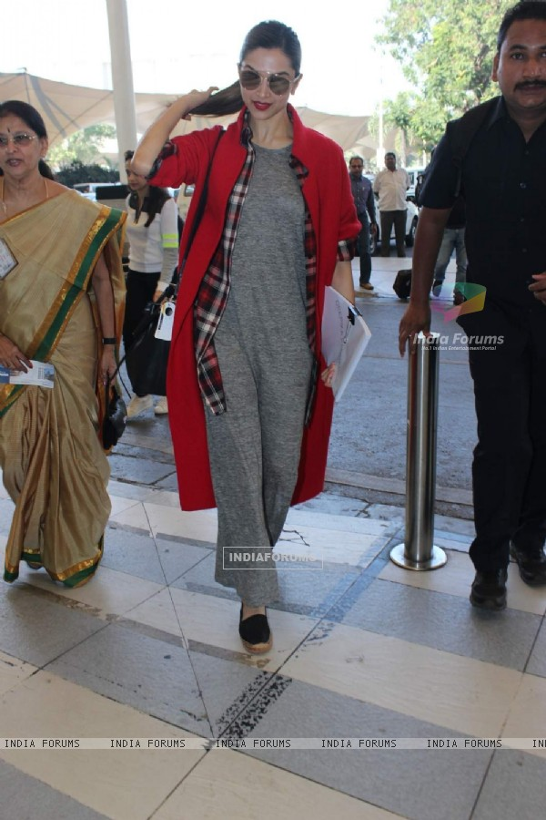 Deepika Padukone Snapped at Airport