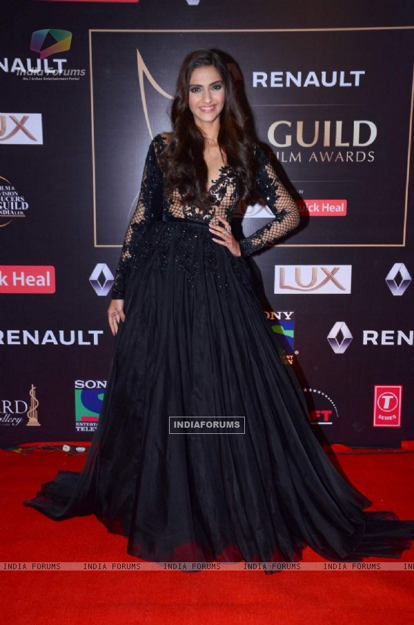 Sonam Kapoor at Guild Awards 2015