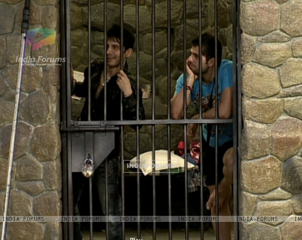 Kamal Khan and Bakhtiyaar in jail