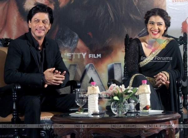 Shah Rukh Khan and Kajol for Promotions of 'Dilwale' at Kolkata