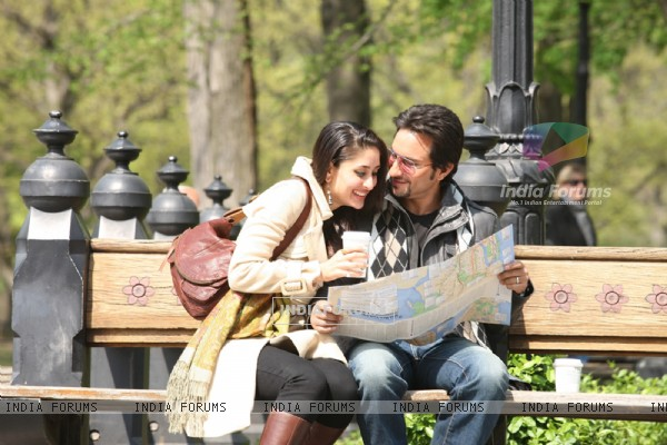 Lovable scene of Saif and Kareena (38940)