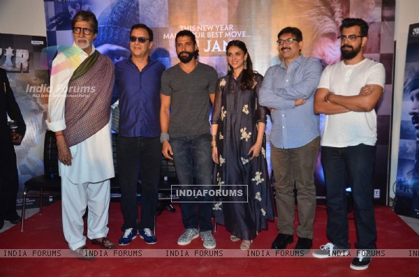 Vidhu V Chopra, Big B, Farhan, Aditi Rao and Bejoy Nambiar at Press Meet of 'Wazir'