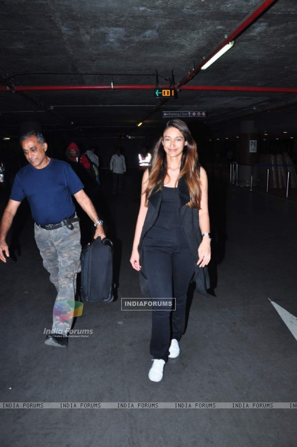 Ileana D'cruz  Snapped at Airport