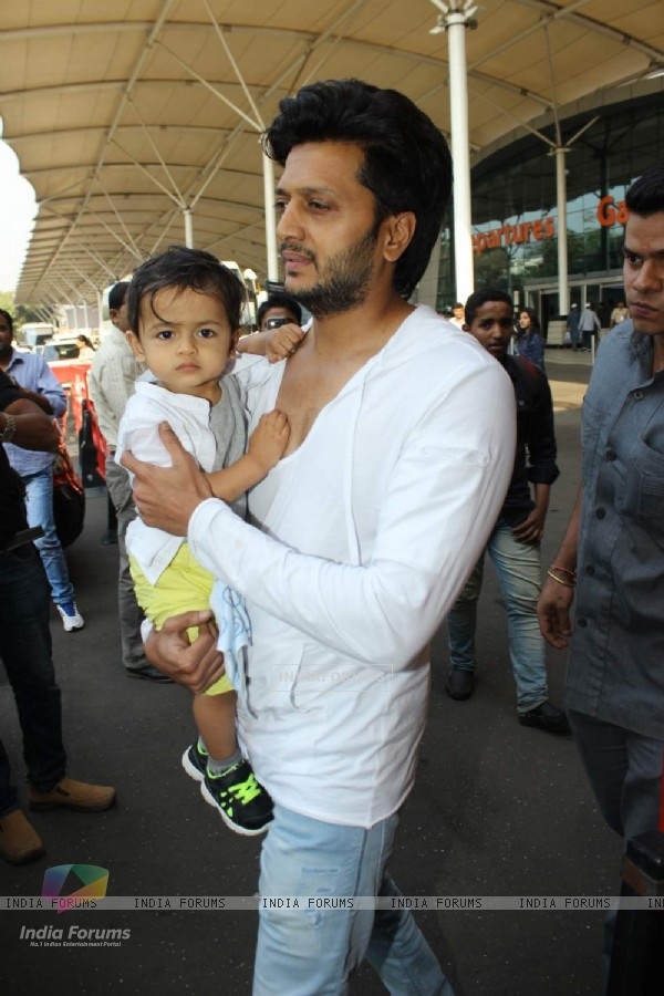 Riaan and Riteish Deshmukh Snapped at Airport