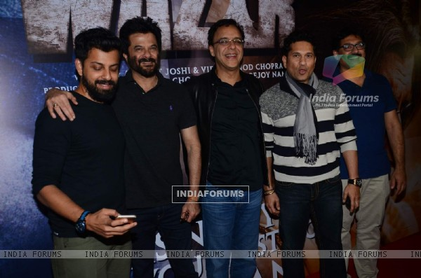 Sachin Tendulkar and Anil Kapoor with the Cast of film at Special Screening of Wazir