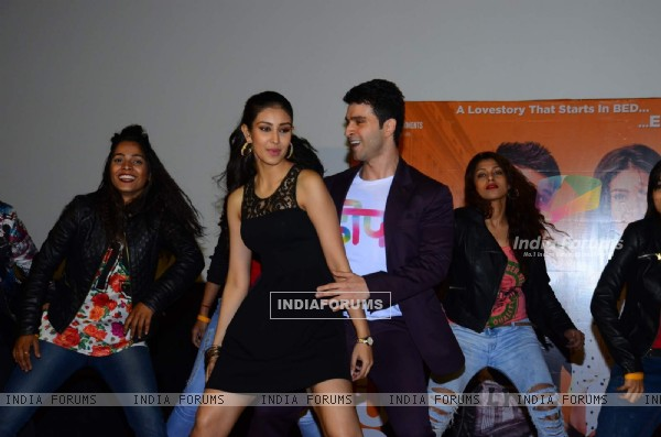 Girish Kumar and Navneet Kaur Shakes a Leg at Trailer Launch of 'Loveshhuda'