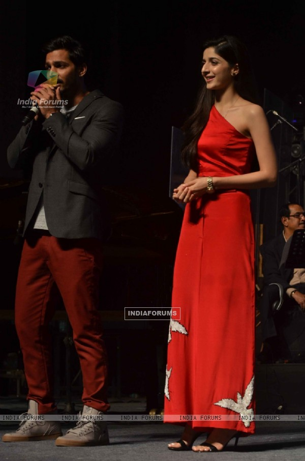 Harshvardhan Rane and Mawra Hocane for Promotes Sanam Teri Kasam at Arijit Singh Concert