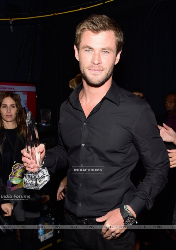 Chris Hemsworth at People's Choice Award 2016