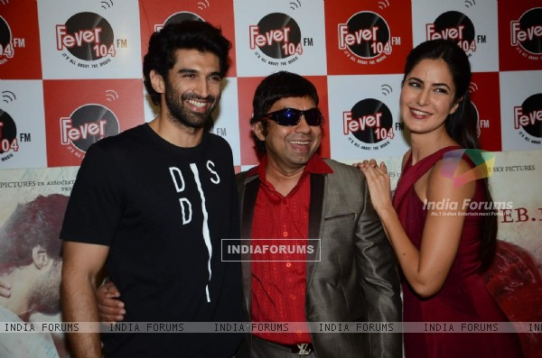 Aditya Roy Kapur and Katrina Kaif pose with Anurag Pandey at the Promotions of Fitoor on Fever FM