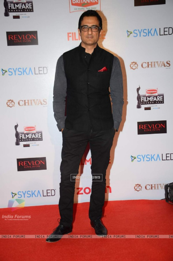 Sanjay Suri at Filmfare Awards - Red Carpet
