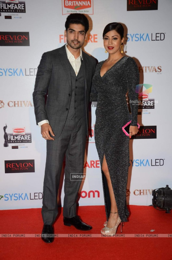 Gurmeet Choudhary and Debina Bonnerjee at Filmfare Awards - Red Carpet