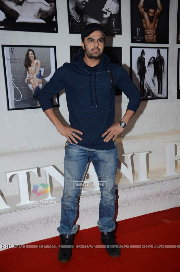 Manish Paul at Dabboo Ratnani's Calendar Launch