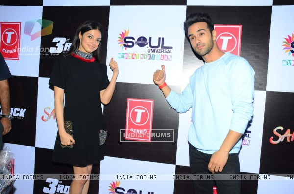 Pulkit Samrat and Divya Khosla  at College Fest for Promotions of Sanam Teri Kasam
