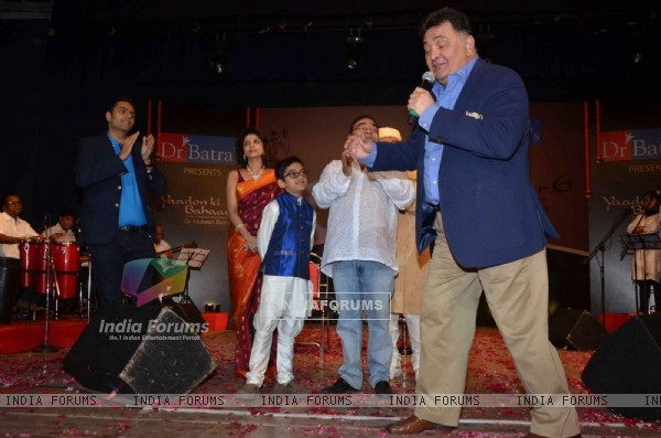 Rishi Kapoor Performs at Dr Batra's Annual Musical Event 'Yaadon Ki Bahaar 6'