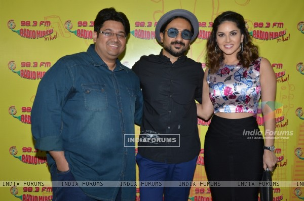 Vir Das and Sunnly leone at Radio Mirchi for Promotions of Mastizaade