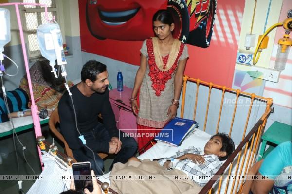 John Abraham Inaugurates IVF Centre at Wadia Hospital