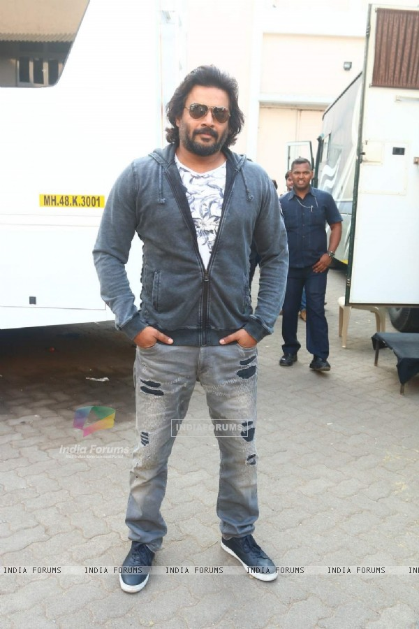 R. Madhavan at Promotions of Saala Khadoos