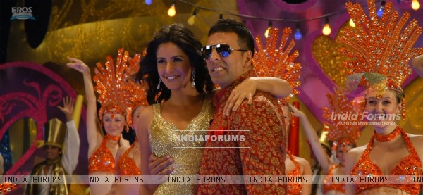 Still of Akshay and Katrina (39232)
