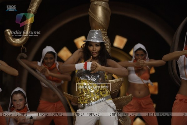 Sameera Reddy rocking the dance floor