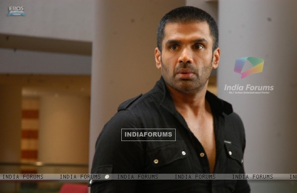 Sunil Shetty looking shocked