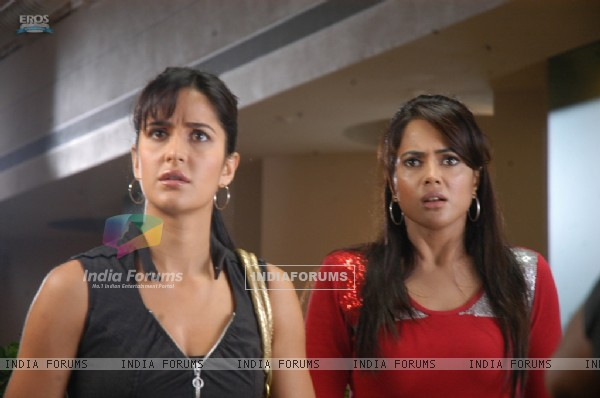 Katrina and Sameera looking shocked
