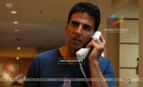Akshay Kumar looking tensed (39259)