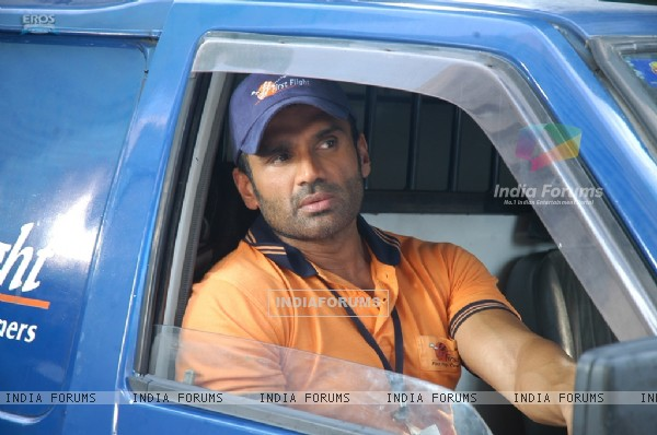 Still of Sunil Shetty (39262)
