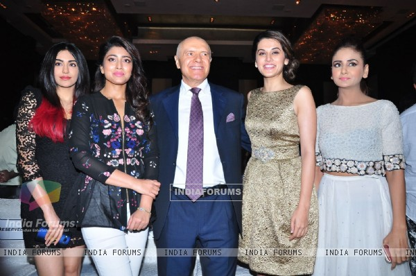 Adah, Shriya, Taapsee and Parul at Press Meet of IIFA Utsavam