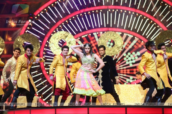 Adah Sharma Performs at IIFA Utsavam Day 1