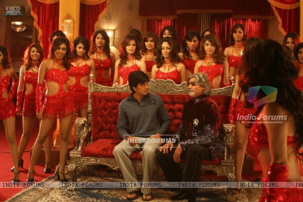 Amitabh and Ritesh with hot models (39341)
