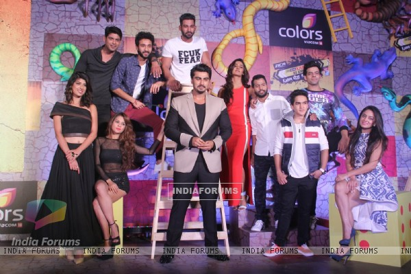 Arjun Kapoor and Contestants of Khatron Ke Khiladi 7 Poses at Press Meet
