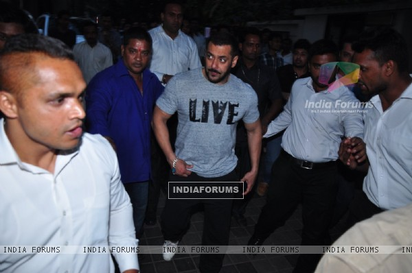 Salman Khan Snapped Post Shoot at Hard Rock Walks Down the Road Instead of Getting in his Car