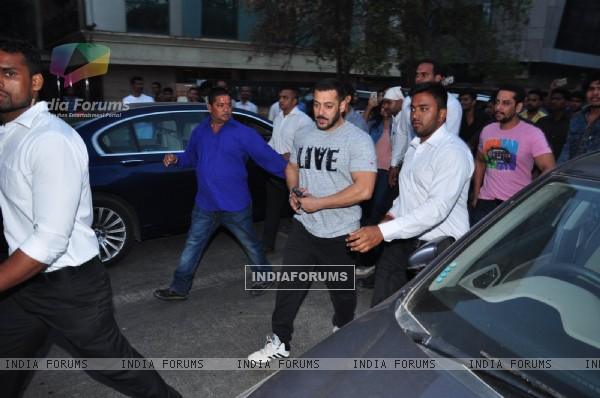 Superstar Salman Khan Snapped Post Shoot at Hard Rock Walks Down the Road Instead of Getting in Car