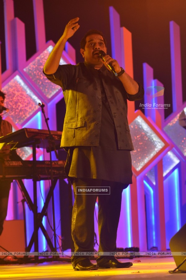 Shankar Mahadevan at Closing Ceremony of the Asian Racing Conference!