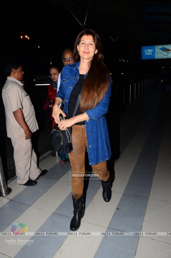 Sangeeta Bijlani Snapped at Airport