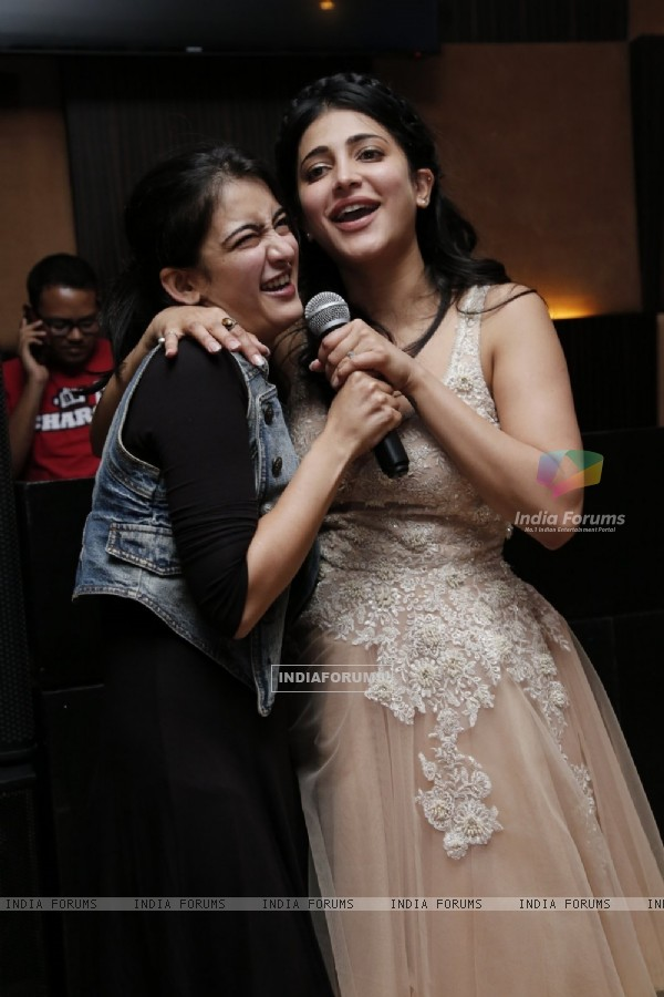 Shruti Haasan and Akshara Haasan on Birthday Bash
