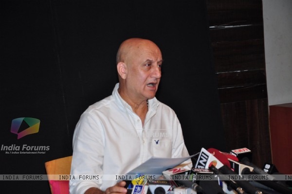Anupam Kher Held Press Meet for 'Pakistan Visa Issue'