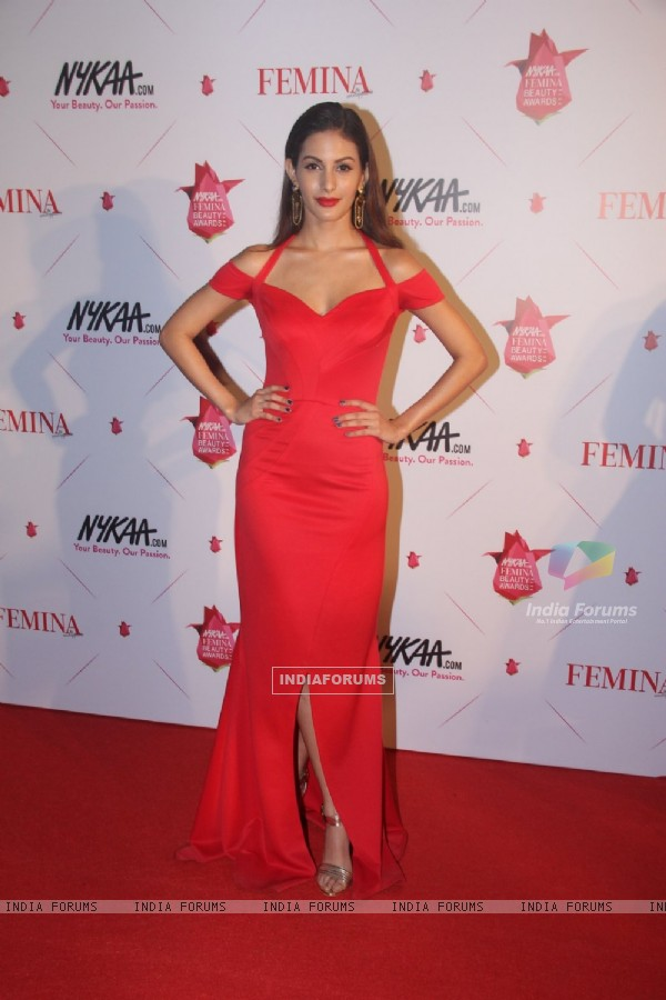 Amyra Dastur at Femina Beauty Awards 2016
