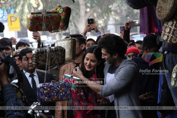 Aditya Roy Kapur Buys for Katrina Kaif at Janpath Market to Promote 'Fitoor'
