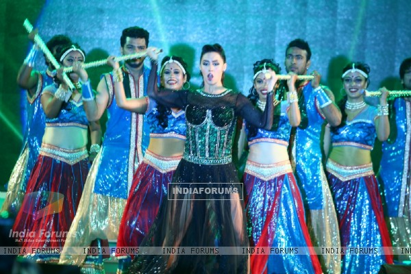 Lauren Gottlieb Performs at National Jewellery Awards 2016