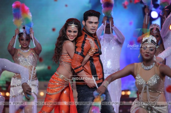 Sana Saeed and Kunwar Amarjeet Performs: Star Plus' Valentine Day Special Epi -Ishkiyaon Dhishkiyaon