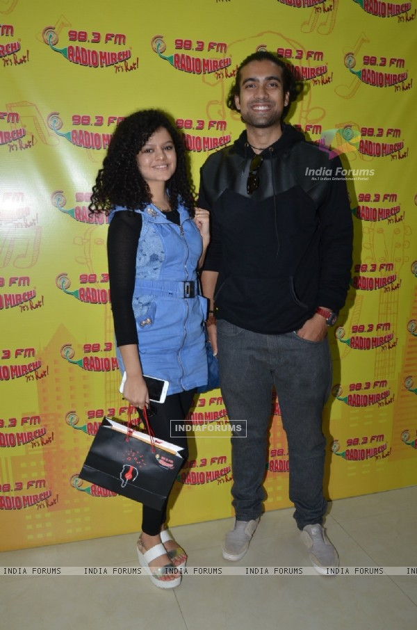 Palak Muchhal and Jubin Nautiyal Goes Live at Radio Mirchi for Promotions of 'Ishq Forever'