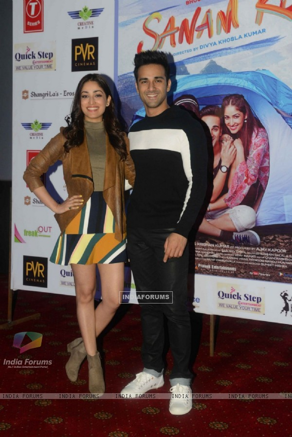 Pulkit Samrat and Yami Gautam at Promotions of 'Sanam Re' in Delhi