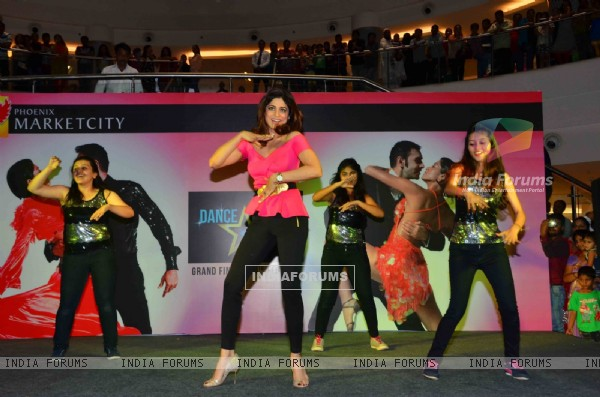 Shamita Shetty Performs at Dance Dream Believe - Couple Dance Competition for Valentine's Day