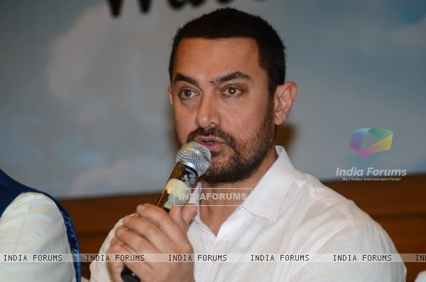 Aamir Khan Interacts with Media at Launch of Satyamev Jayate Water Cup