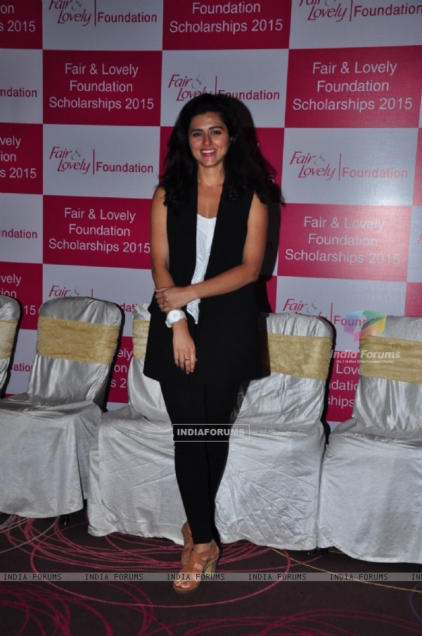 Riddhi Dogra at Fair and Lovely Foundation Scholarships 2015